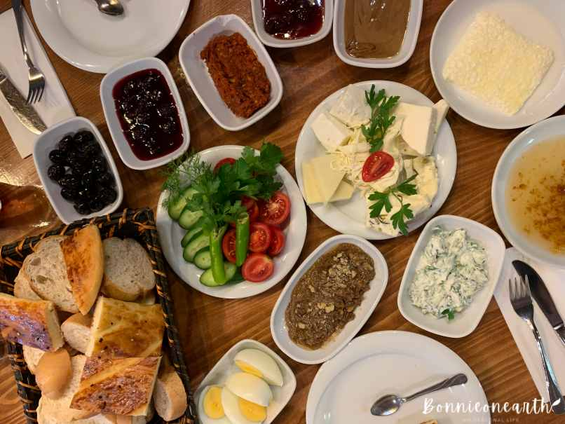 美食記-伊斯坦堡|土耳其 Kahvaltı 土耳其豐富早餐